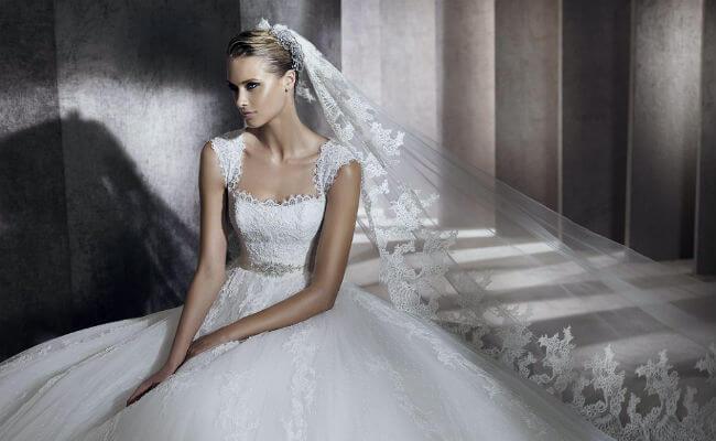 Ejemplos de peinados para novia con velo