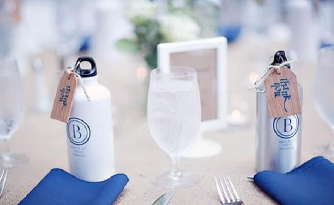 Regalos para invitados con botella