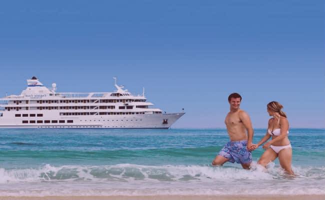 Crucero en playa para novios
