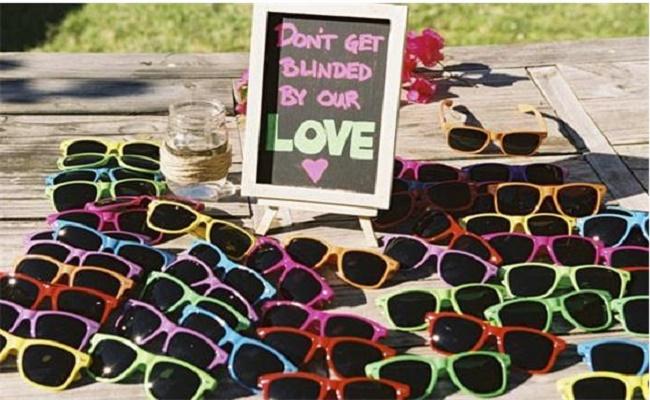 Detalle boda sencillos ejemplo gafas