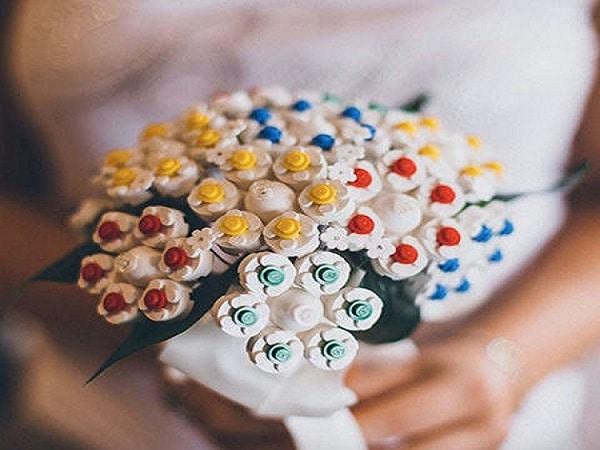 Lego en el ramo de boda