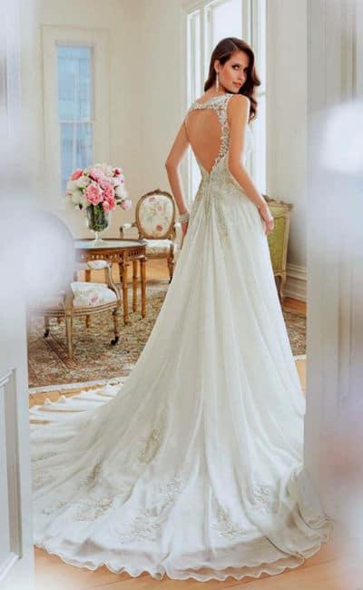 Vestido con la espalda descubierta para novia
