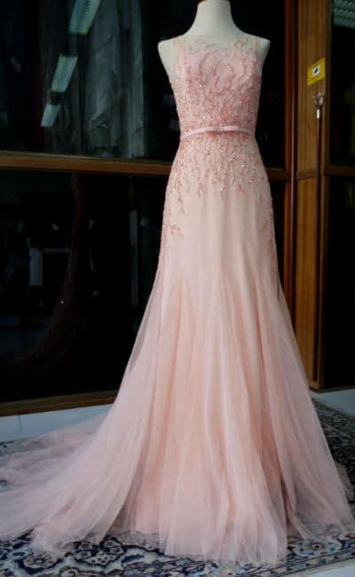 Vestido rosado y beig para boda