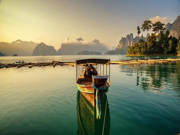 Paseo romántico en Tailandia