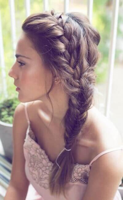 Peinado recogido bonito con trenzas