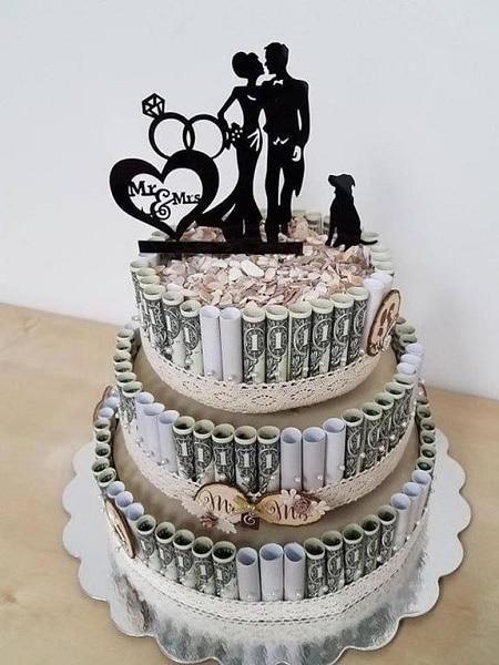 dinero con forma de tarta de boda