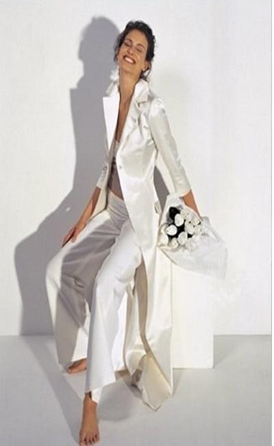 Traje de chaqueta para boda civil